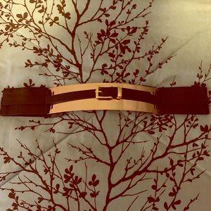 Accessories - Gold waist belt